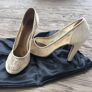 Marc Jacobs ivory shoes